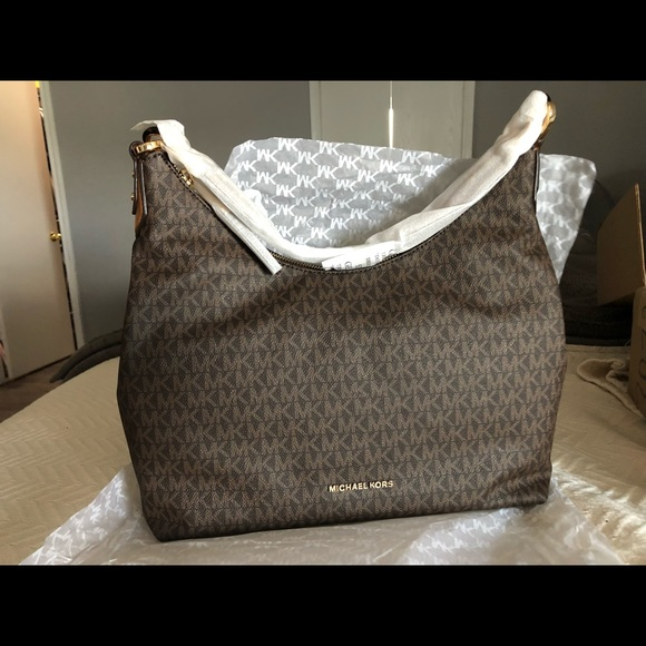 76d9f8e392123e Michael Kors Bags | Large Isabella Shoulder Bag | Poshmark