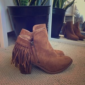Tan faux suede fringe ankle boots, size 8.5