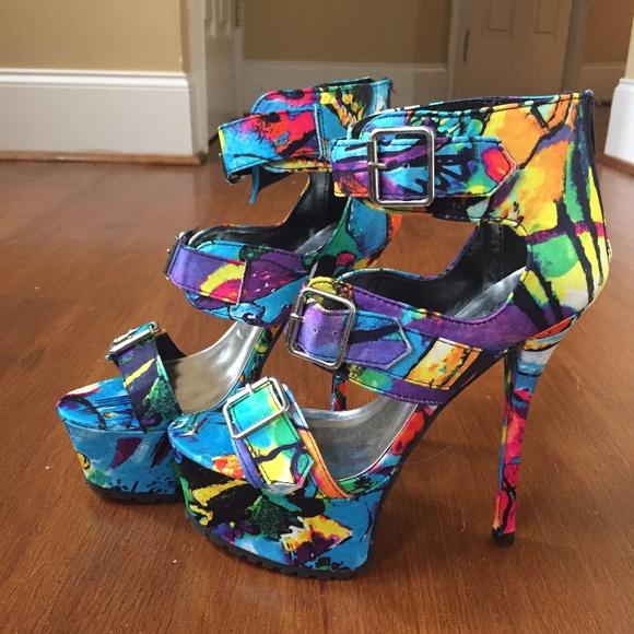 1c5fdb5bf73 Qupid Shoes - Pre-owned Multi-colored Qupid platform heels
