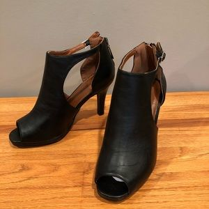 NWT size 8 Lane Bryant ankle boots