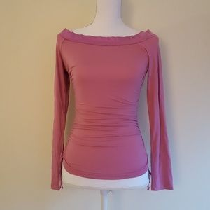 Bebe boat neck long sleeve top with side ruching