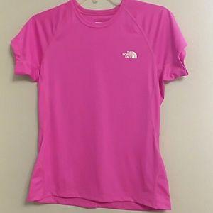NWOT The North Face women's medium top shirt pink