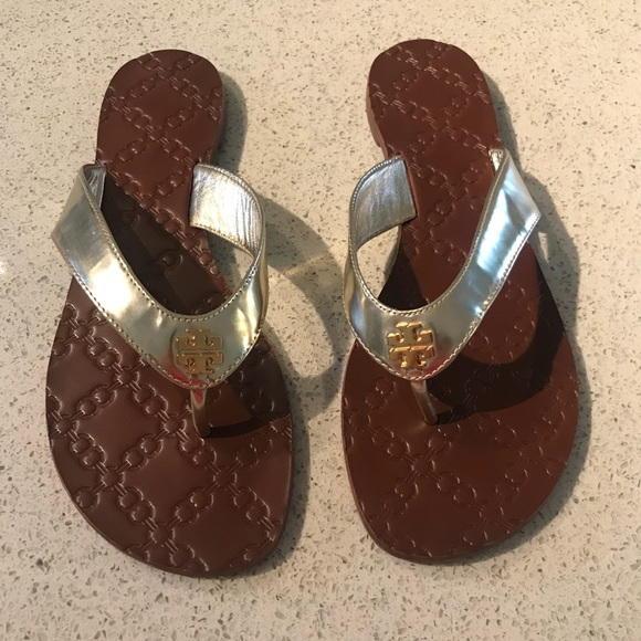 986d9edbe2e4 New Tory Burch Monroe gold metallic flip flop 8