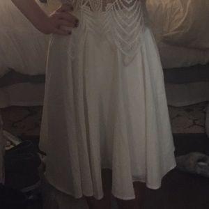 Lulus white flowy skirt