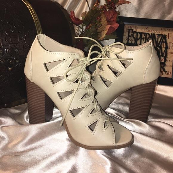 bella Marie Shoes - Beige heels