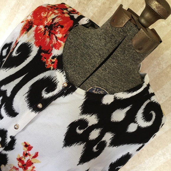 White House Black Market Sweaters - WHBM snap front cardigan
