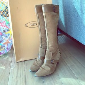 TOD'S tan suede knee high boots with buckle