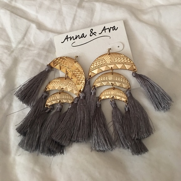 Anna & Ava Jewelry - Anna & Ava Tassels Earrings