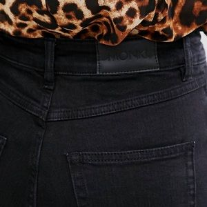 NWOT Monki OKI high waisted skinny jeans in black