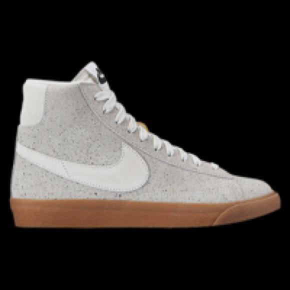 Las Mujeres Nike Blazer Dedo Medio ofertas en línea 93RA3mK