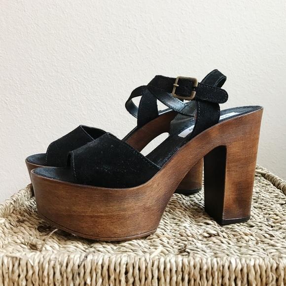 8503c192644 Steve Madden Lulla Platform Sandals. M 59ff87e6fbf6f9acbe0ecee3