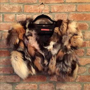 ALICE AND OLIVIA Cropped Fox Fur Vest (Medium)