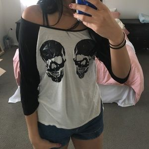 Love Culture Tops - Loose top with 2 skulls