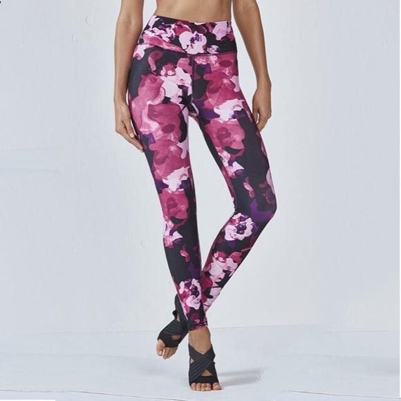 c6fa467563d945 Fabletics Pants - FABLETICS Lisette High-Waisted Legging Small/Short