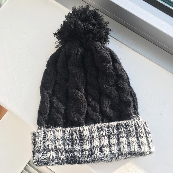 473e367f276 Urban Outfitters Marled Pom Pom Hat. M 59ffa0364e95a3bcb50f870e