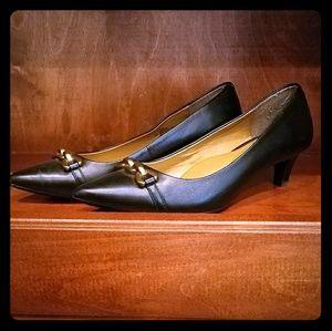 b705e2710d6 Sofft Shoes - Söfft Black Pumps with Gold Buckle - Size 8.5 M