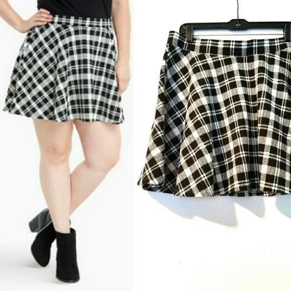 a5317406e torrid Skirts   0x Plus Size Double Knit Plaid Skater Skirt   Poshmark
