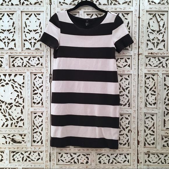 513c9f5e254b H&M Dresses & Skirts - H&M short sleeve black & white fitted jersey dress