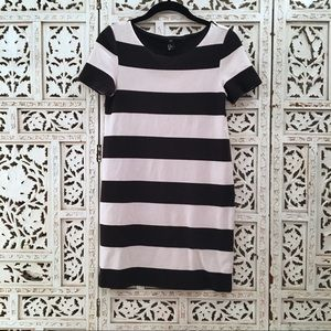 H&M short sleeve black & white fitted jersey dress