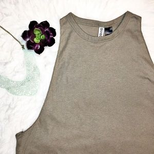 Tops - H&M • ribbed muscle tank