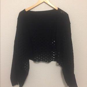 Tops - Black oversize crop sweater
