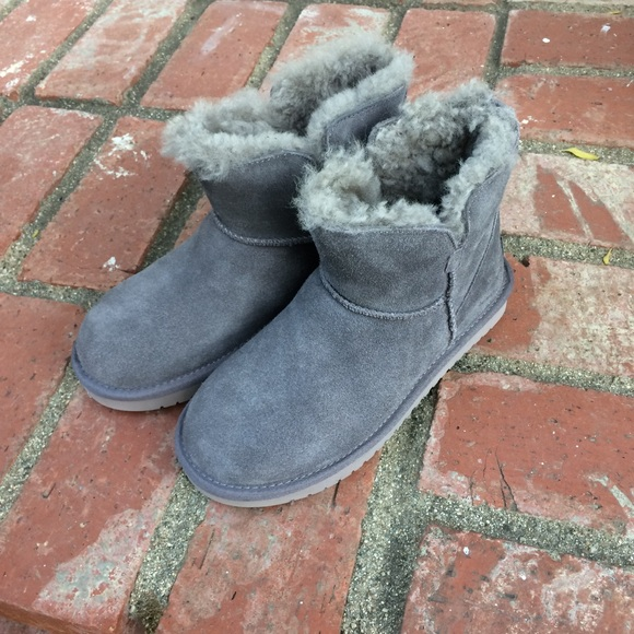 e6d75804297 Koolaburra by UGG classic mini boots