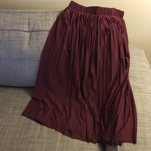 Xhilaration Maroon Pleated Skirt with Lace