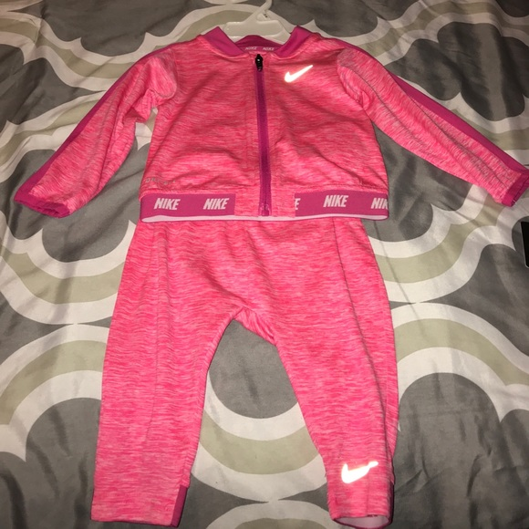 e933a432cc68 Pink nike sweatsuit brand new