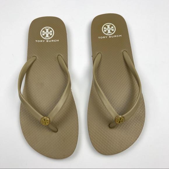 58d11ed0cbdf  Tory Burch  Rubber Logo Thong Flip Flops Sandals.  M 59ffba415a49d046d01002f8