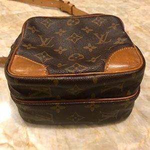 0ef5c0efb9c7 Louis Vuitton Bags - Louis Vuitton Amazon Crossbody travel bag vintage