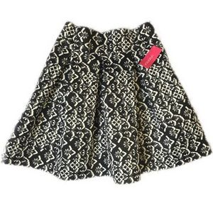 Dresses & Skirts - NWT Xhileration Black And White full skirt size SM