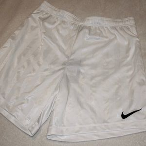 Nike men's active/soccer shorts medium white nwt
