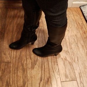 Black leather upper heeled boots