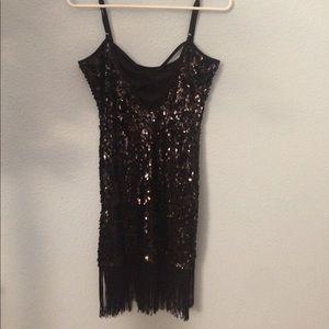 Dresses & Skirts - XS forever 21 sequin black flapper fringe dress
