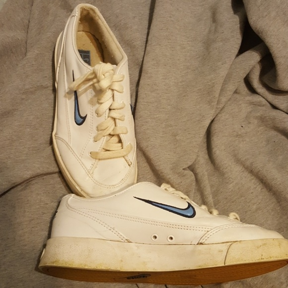 1990's Nike Womens Nike Tennis or Running Shoes | Vintage