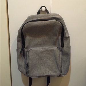 Everlane - Modern Zip backpack - large
