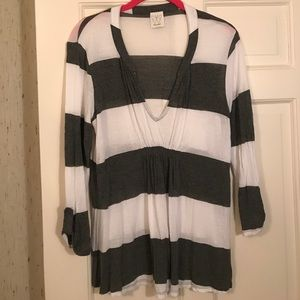 Ella Moss ruched striped tee with tab sleeves.