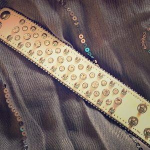 Jewelry - 💛White leather studded Rhinestone cuff bracelet