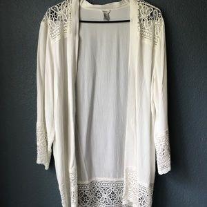 Forever 21 Kimono style blouse