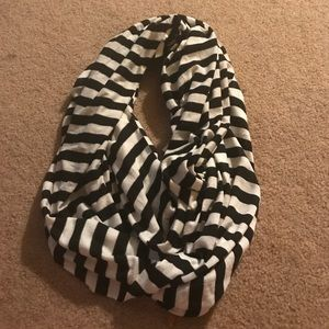Wet Seal Black & White Striped Infinity Scarf!
