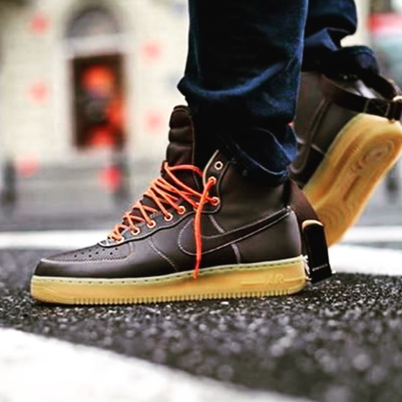 huge discount 02271 8c107 NEW 🍂 NIKE AIR FORCE 1   GUM SOLE fits womens 7.5