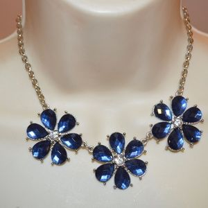 Blue Crystal Fashion Flower Chain Necklace 🔵