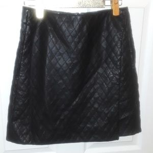 JOE FRESH BLACK QUILTED FAUX LEATHER SKIRT POCKET