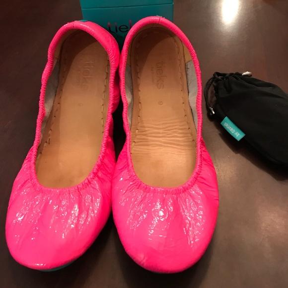 Tieks Shoes | Euc Pop Pink Tieks Size 9