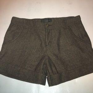 Sanctuary brown herringbone shorts.