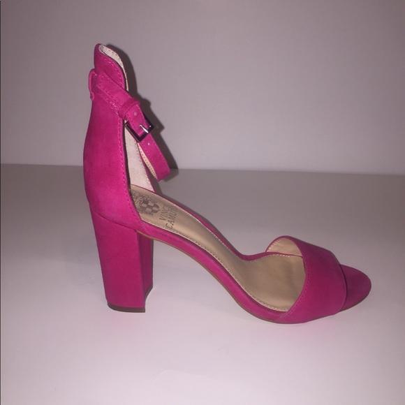 7f843468c93d Vince Camuto Corlina block heels. M 5a0075d178b31cad4b124454