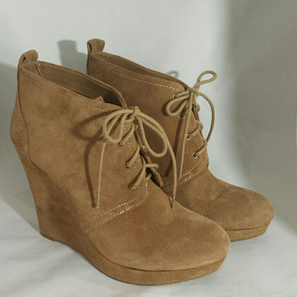9923813353d7 Jessica Simpson Shoes - NWOB Jessica Simpson  Catcher  Wedge Bootie