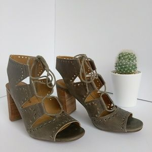 LUCKY BRAND Tafia block-heel gladiators