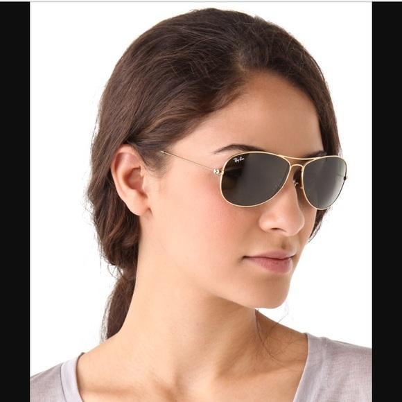 f6efbaeb7f Ray-Ban polarized Aviator Sunglasses ✨. M 5a007b454e8d17728a12402d
