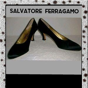 Made in Italy, Salvatore Ferragamo Satin Pumps